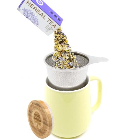 Teetasse mit Deckel und Sieb gelb Tee lose